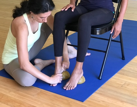 Foot-Fitness-Active Isolated Stretching-yoga-Personal-Training-Roll-for-fitness-emily-stein-tampa-fl